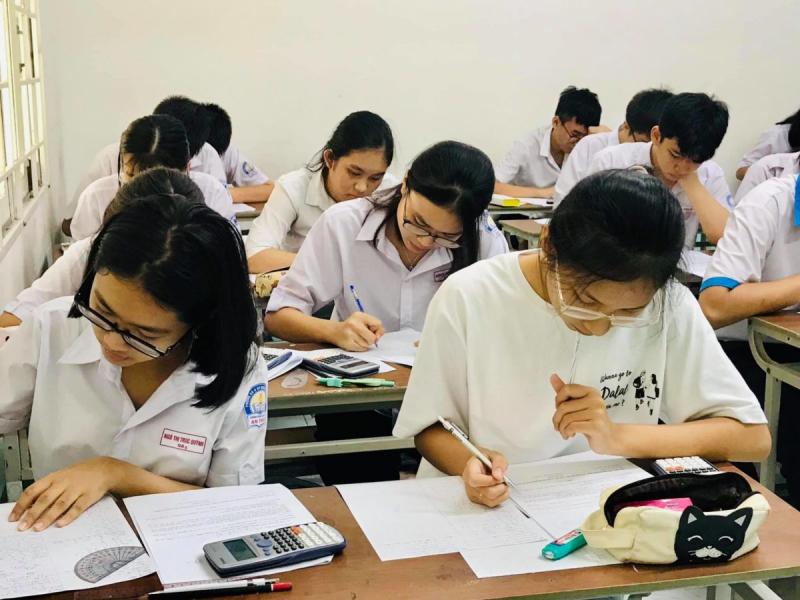 Trung tâm luyện thi đại học Tô Hiến Thành