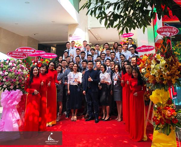 Công ty TNHH một thành viên sự kiện Phát Hoàng Gia